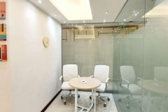 private_office_round_table