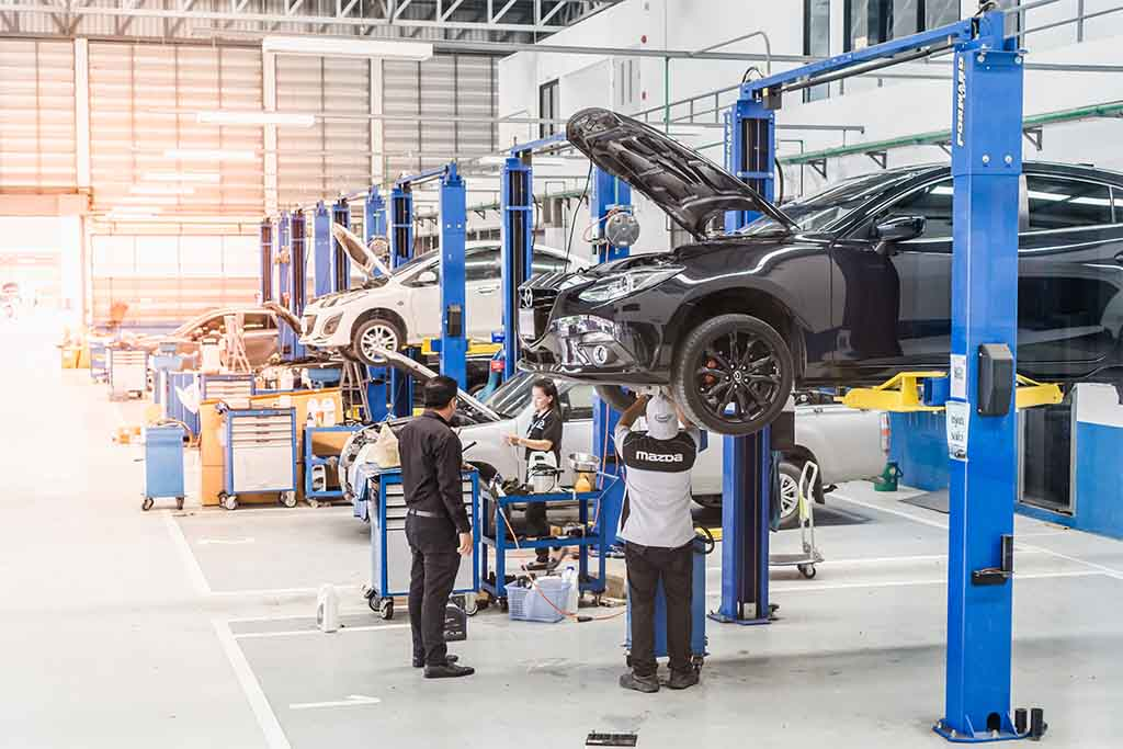 How to your own Automotive Centre in the UAE